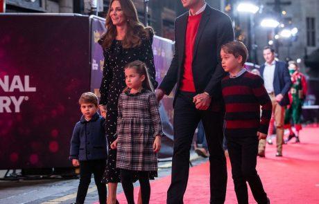 Princ Louis je ukradel vso pozornost na letošnji božični voščilnici družine Kate in Williama!