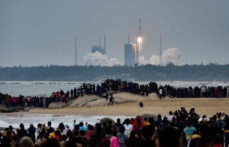 'Dolgi pohod 8' uspešno poletel v vesolje