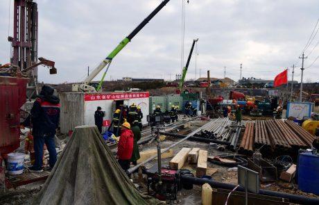 Reševalci so uspešno rešili sedem izmed okoli 20 ujetih rudarjev v rudniku na vzhodu Kitajske