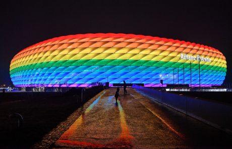 Allianz Arena v Münchnu se bo v znak podpore skupnosti LGBTQ+ vendarle odela v mavrične barve