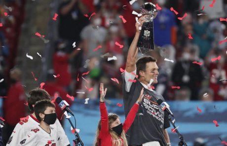 Tom Brady z moštvom Tampa Bay Buccaneers osvojil že svoj sedmi super bowl, kar je največ kar je uspelo kateemu koli igralcu v zgodovini