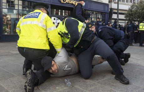 Na Irskem prišlo do nasilnih izgredov na protestih proti koronskim ukrepom