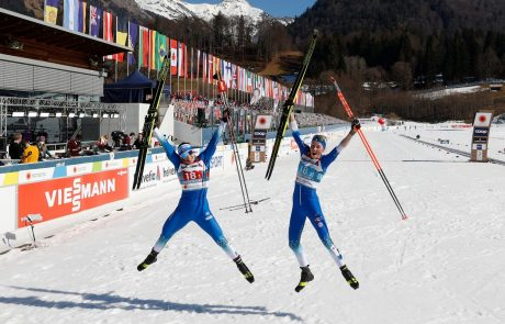 Anamarija Lampič in Eva Urevc bronasti na ekipni tekmi na SP v Oberstdorfu