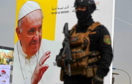 Papež Frančišek danes začenja zgodovinski štiridnevni obisk v Iraku
