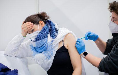 Med 80 milijoni ljudi doslej cepljenih s cepivom AstraZeneca resnih neželenih učinkov izredno malo, motnje strjevanja krvi pa niso bile navedene kot možen neželeni učinek