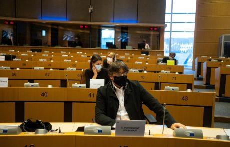 Evropski parlament popustil pod španskim pritiskom in odvzel imuniteto katalonskim poslancem