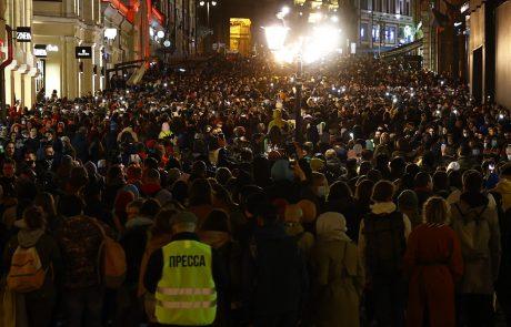 Na protestih v podporo Navalnemu aretirali več kot 1700 ljudi