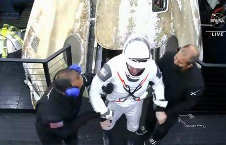 Kapsula dragon s štirimi astronavti pristala v Mehiškem zalivu