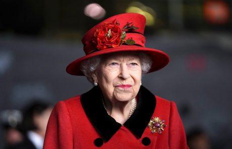 Kraljica Elizabeta II. bo danes sprejela že 13. ameriškega predsednika