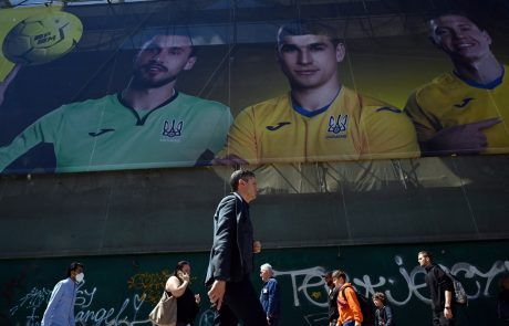 Tik pred začetkom EP v nogometu ukrajinski dresi razjezili Ruse
