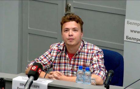 Zaprti beloruski novinar Roman Protasevič spet prisiljen govoriti na vladni novinarski konferenci v Minsku