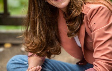 Kate Middleton, kot nam je najbolj všeč … v supergah in kavbojkah