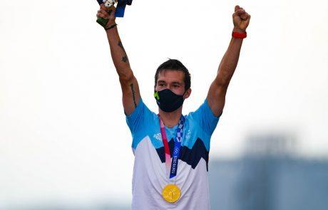 Po zlatem divjevodašu Benjaminu Savšku in srebrni judoistki Tini Trstenjak se je v domovino vrnil tudi zlati kolesar Primož Roglič