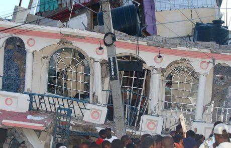 V potresu na Haitiju več kot 300 smrtnih žrtev