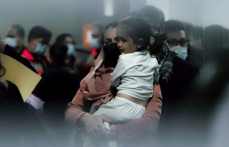 V dveh eksplozijah ob kabulskem letališču več mrtvih