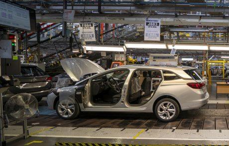 Pomanjkanje mikročipov povzroča vse večjo krizo v avtomobilski industriji