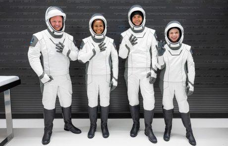 Muskov SpaceX je v vesolje poslal 4 amaterje