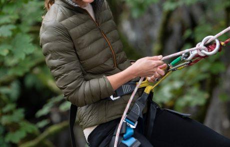Kate Middleton je celo pri plezanju in kolesarjenju videti super kul in šik!