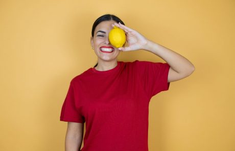 Ljudi su počeli da zamrzavaju limun, evo razloga zbog kojih biste i vi trebali to učiniti!